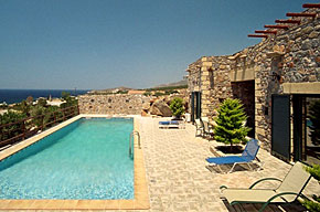 Villa Lefkathia - relax on the terrace by the pool